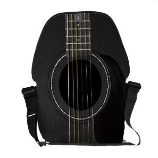 黒いアコースティックギター メッセンジャーバッグ