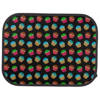 黒いカップケーキパターン カーマット