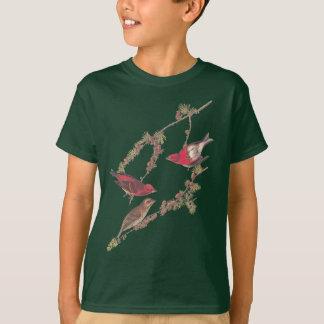 黒いカラマツのAudubonのムラサキマシコの赤い鳥 Tシャツ