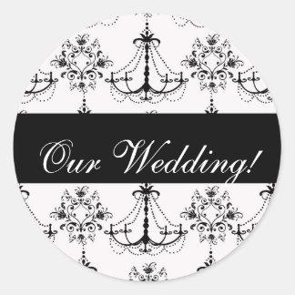 黒いシャンデリアの結婚式のステッカー ラウンドシール