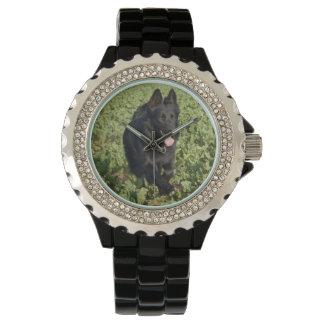 黒いジャーマン・シェパード 腕時計