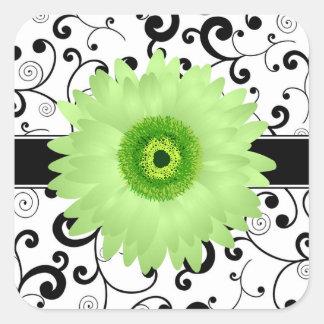 黒いスクロールデザインのシールを持つ緑のガーベラのデイジー 正方形シール