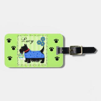 黒いスコッチテリアテリア犬の名前の名前入りな緑 ラゲッジタグ