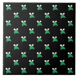 黒いセラミックタイルの緑カエル タイル