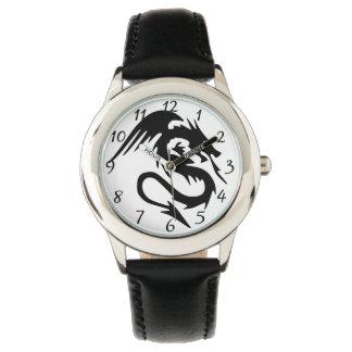 黒いドラゴン 腕時計