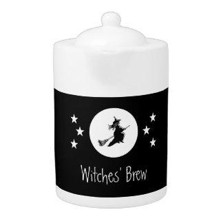 黒いハロウィンの魔法をかけるティーポット