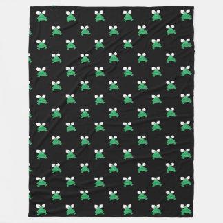 黒いフリースブランケットの緑カエル フリースブランケット