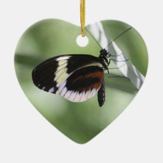 黒いブラウンおよび白い蝶オーナメント セラミックオーナメント