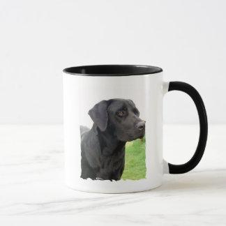 黒いラブラドル・レトリーバー犬のコーヒー・マグ マグカップ