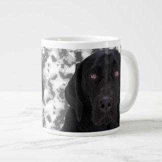黒いラブラドル・レトリーバー犬 ジャンボコーヒーマグカップ