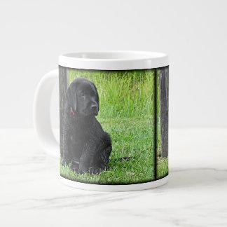 黒いラブラドールの子犬-夏の子犬の日 ジャンボコーヒーマグカップ