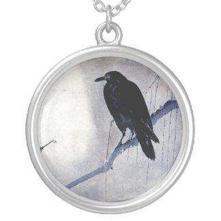 黒いワタリガラスの野生の鳥の自然の日の出 シルバープレートネックレス