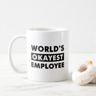 黒い世界のOkayestの従業員の名前入りなマグ コーヒーマグカップ