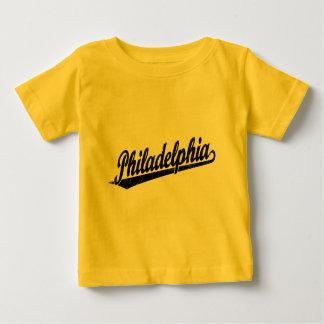 黒い動揺してのフィラデルヒィアの原稿のロゴ ベビーTシャツ