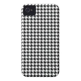 黒い千鳥格子の Case-Mate iPhone 4 ケース