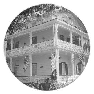 黒い及び白のビクトリアンな家 プレート