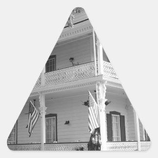 黒い及び白のビクトリアンな家 三角形シール