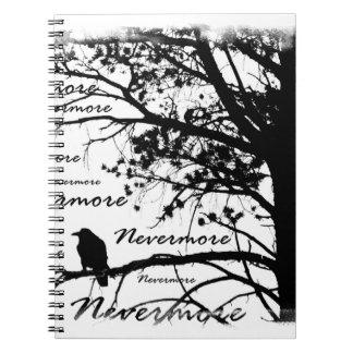 黒い及び白Nevermoreシルエットをあさり歩いて下さい ノートブック
