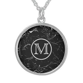 黒い大理石のモノグラム スターリングシルバーネックレス