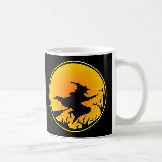 黒い天狗巣の円の月 コーヒーマグカップ