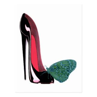 黒い小剣のハイヒールの靴および緑の蝶 ポストカード
