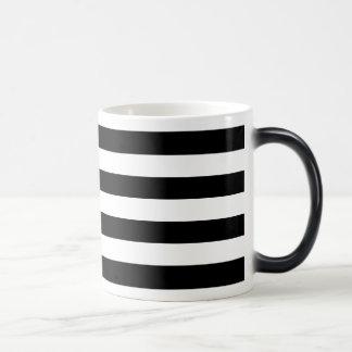 黒い横は縞で飾ります マジックマグカップ
