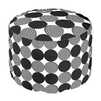 黒い点及び渦巻 プーフ