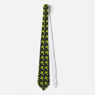 黒い生地の明るいネオン黄色い十字 ネクタイ