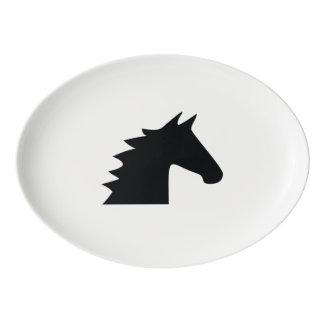 黒い種馬のシルエット 磁器大皿