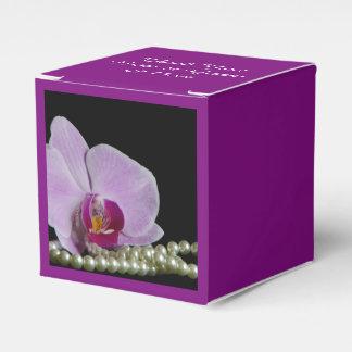 黒い結婚式のピンクの蘭そして真珠 フェイバーボックス