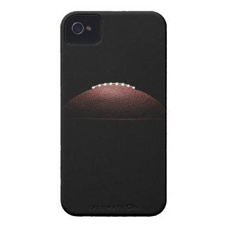 黒い背景のアメリカン・フットボールの球 Case-Mate iPhone 4 ケース