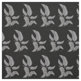 黒い背景のスケッチされた羽 ファブリック