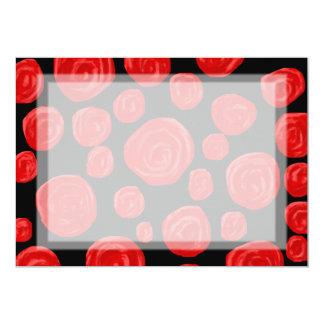 黒い背景のロマンチックで赤いバラ カード