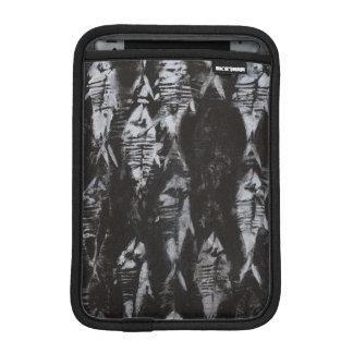 黒い背景の化石の白身魚 iPad MINIスリーブ