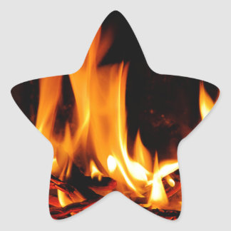 黒い背景の火の炎 星シール