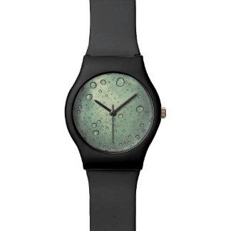 黒い腕時計の泡顔 腕時計