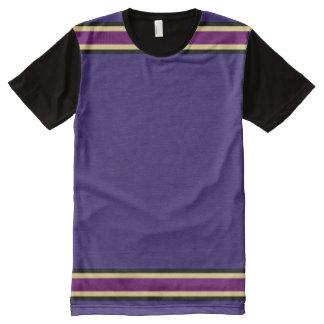 黒い金ゴールドおよび紫色のトリムとの紫色 オールオーバープリントT シャツ