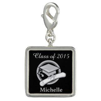 黒い銀製の名前入りな卒業 チャーム