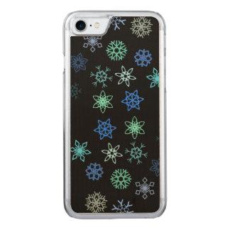 黒い雪片の突風パターン CARVED iPhone 7 ケース