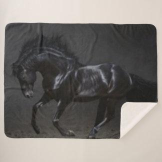 黒い馬 シェルパブランケット