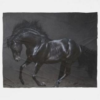 黒い馬 フリースブランケット