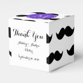 黒い髭パターン、紫色のモノグラム フェイバーボックス