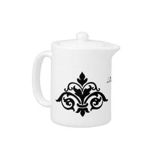 黒い(紋章の)フラ・ダ・リの茶ポット