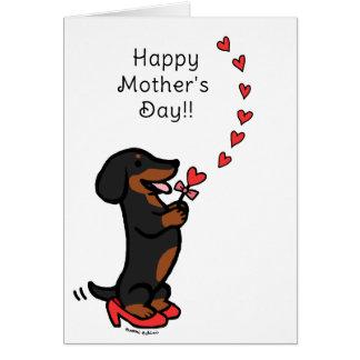 黒およびタンのダックスフントの母の日のハート グリーティングカード