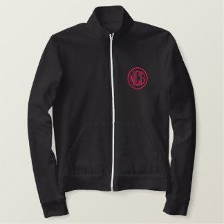黒およびピンクによって刺繍されるモノグラムのジャケット 刺繍入りジャケット