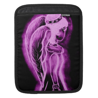 黒およびピンクの逆にされた横の天使 iPadスリーブ