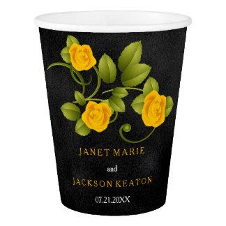 黒およびマリーゴールドの黄色バラの結婚式 紙コップ
