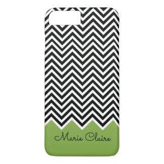 黒および緑の草木のモダンなシェブロンのカスタムのモノグラム iPhone 7 PLUSケース