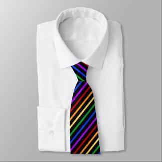 黒および虹は縞で飾ります ネクタイ