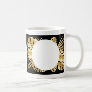 黒および金ゴールドのエレガントな熱帯葉のテンプレート コーヒーマグカップ